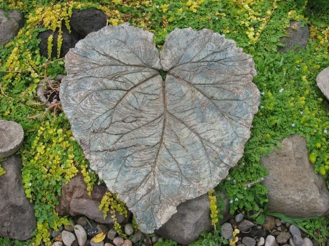 Rharbarberblatt Beton Selber Machen Gartenkunst | Bastelarbeiten ... Gartendeko Beton Selber Machen
