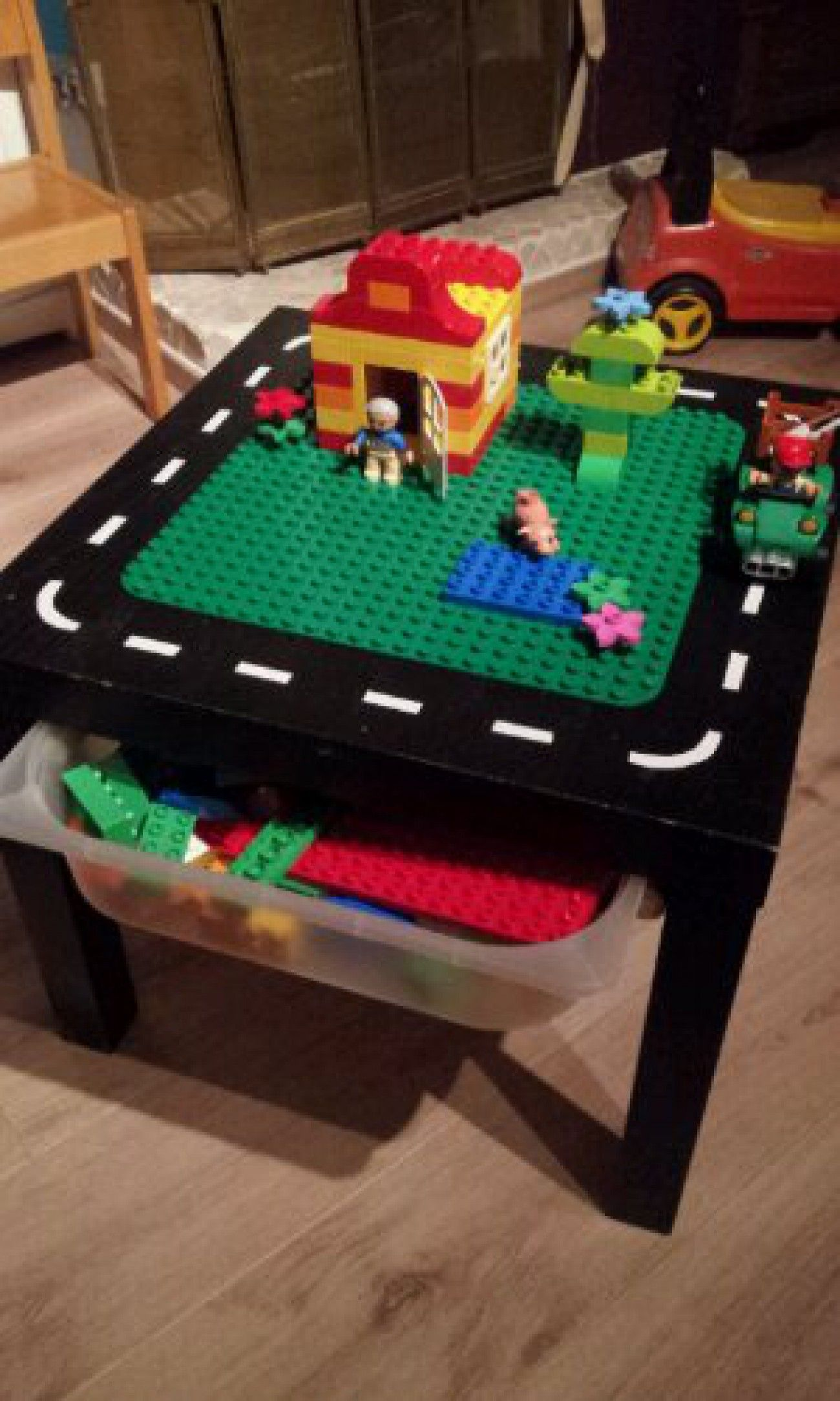duplo tafel zelf maken van lack tafeltje en trofast opbergbak van ikea diy pinterest. Black Bedroom Furniture Sets. Home Design Ideas