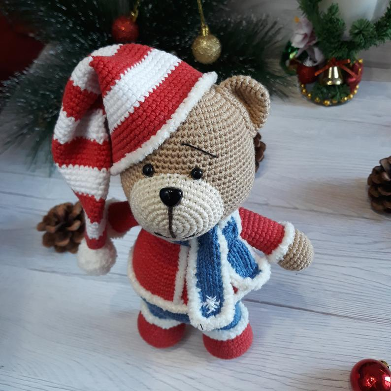 Christmas Cuddle Me Bear crochet pattern - Amigurumi Today | 794x794