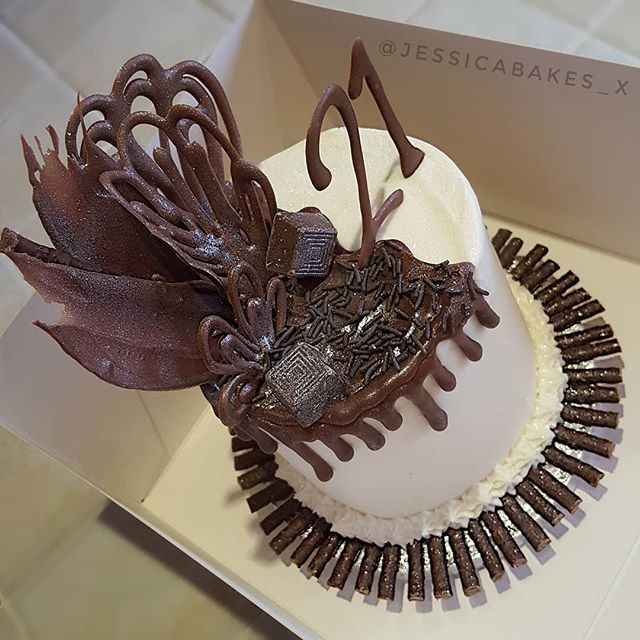 Chocolate sponge cake with Vanilla Buttercream icing ...