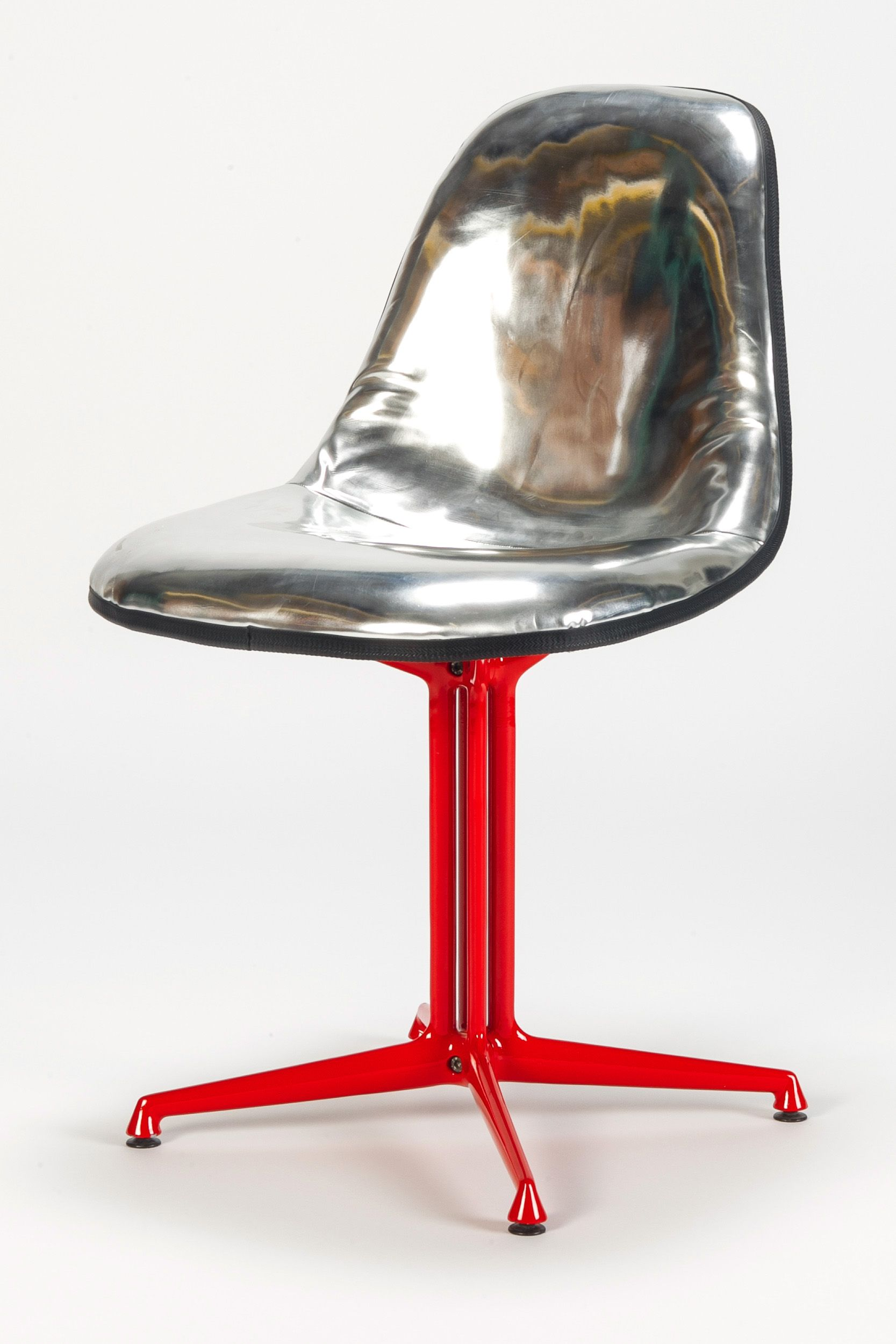 Eames Disco Chair Hmph I Just Want To Correct That This Is A Tarted Up Upholstered Eames Side Shell Modern Retro Furniture Eames Furniture Design Modern