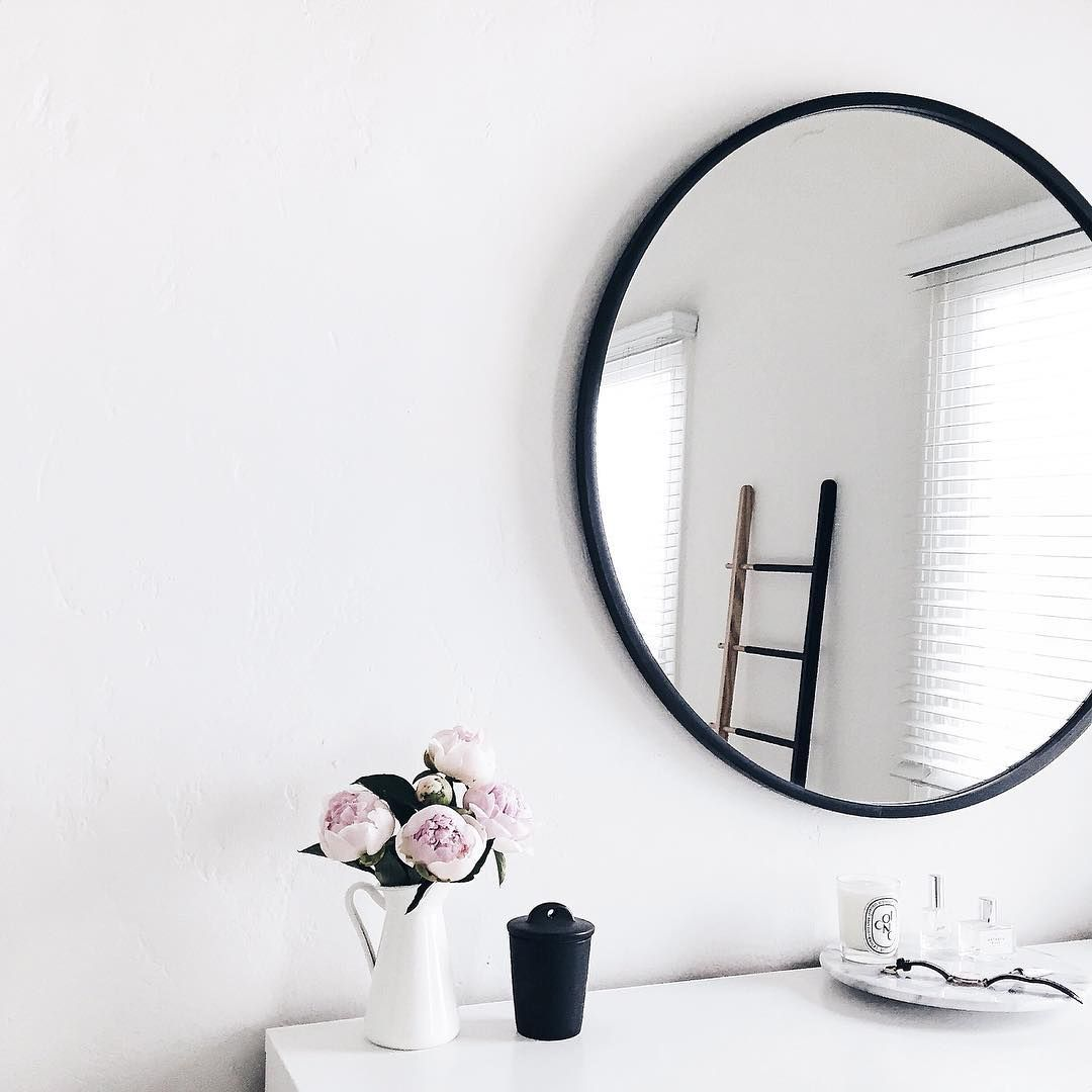 1000 Ideas About Circle Mirrors On Pinterest: Interiors, Rooms, Tumblr, Style // Pinterest And Insta → Siobhan_dolan