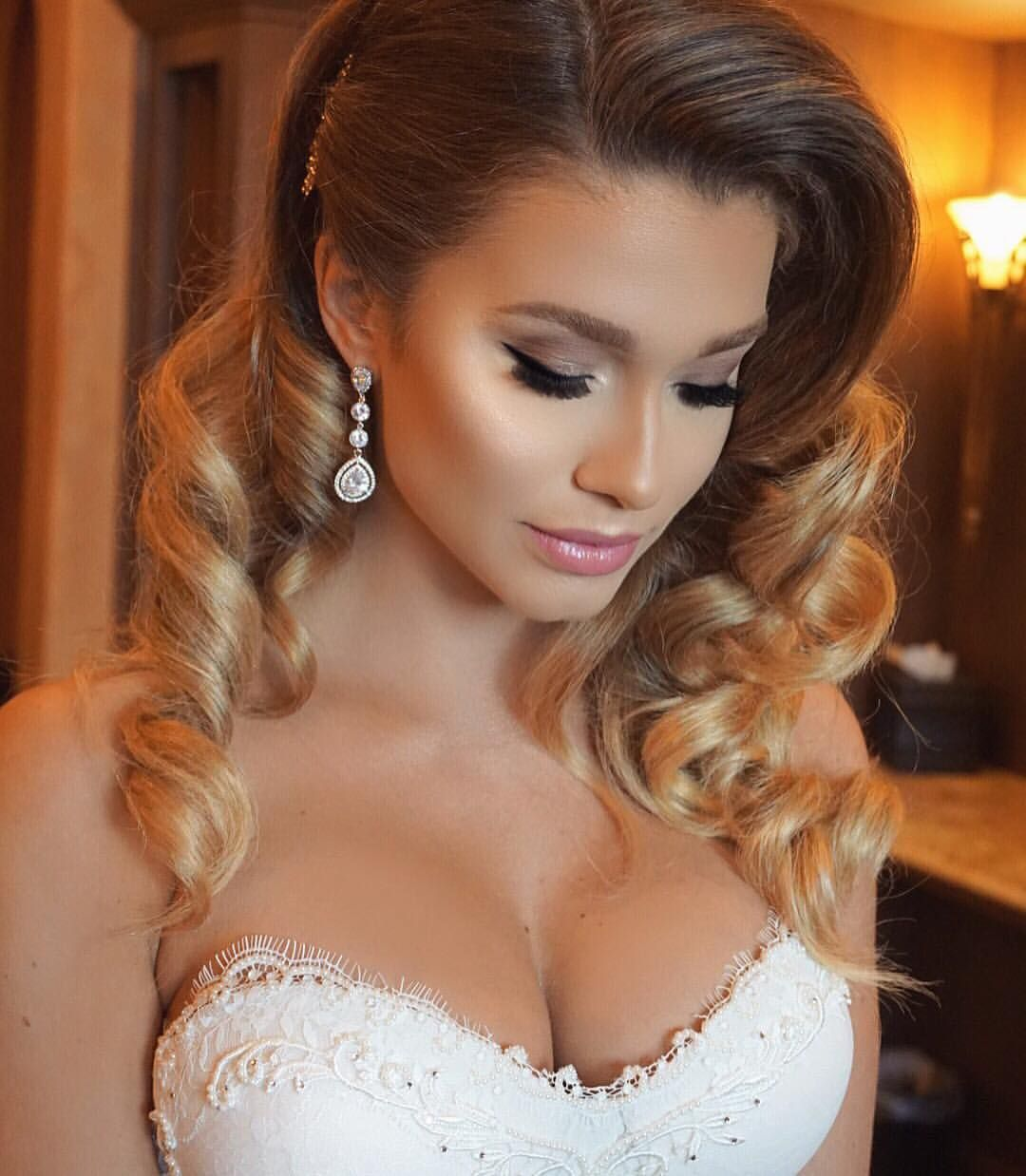 Airbrushed wedding dress  Jade Marie on Instagram ucThe Dreamiest Bride Glowing Airbrush