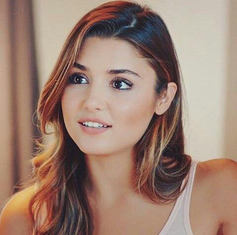 Pin By Muna S On Turkish Celebrities Beauty Girl Hair Beauty