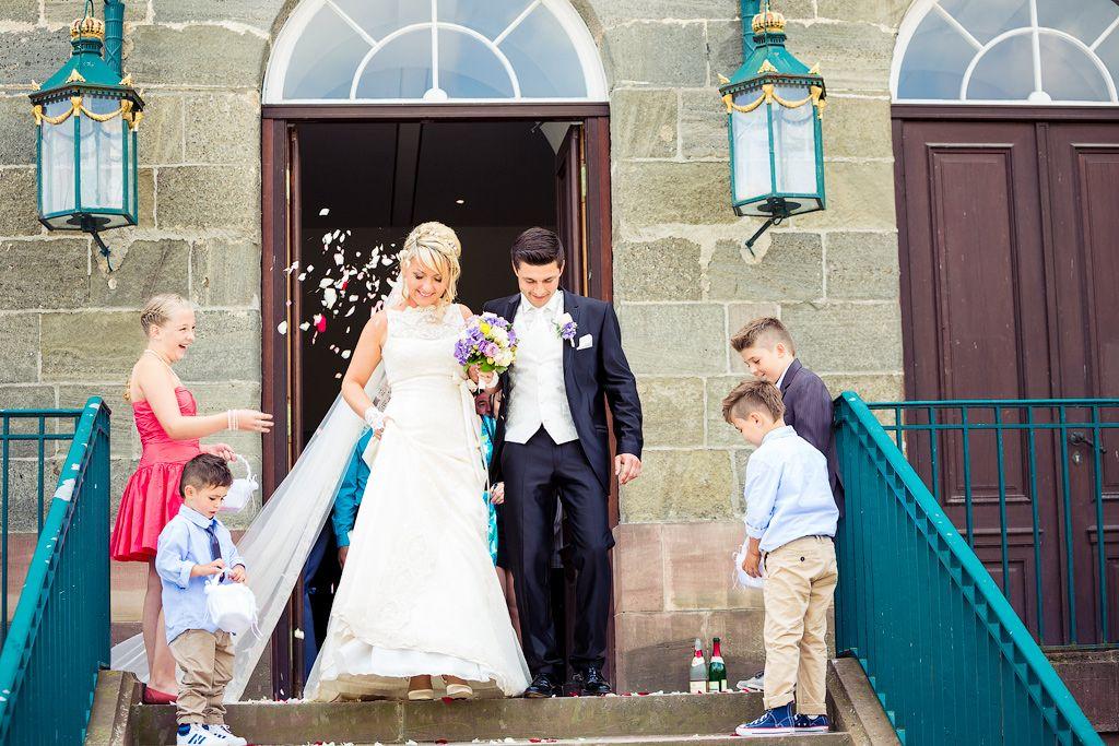 #Hochzeit #Fotos #Wedding #Photography #Braut #Bride #Groom #Ceremony #Zeremonie #Schloss Kapelle Wilhelmshöhe www.christinaeduard.de