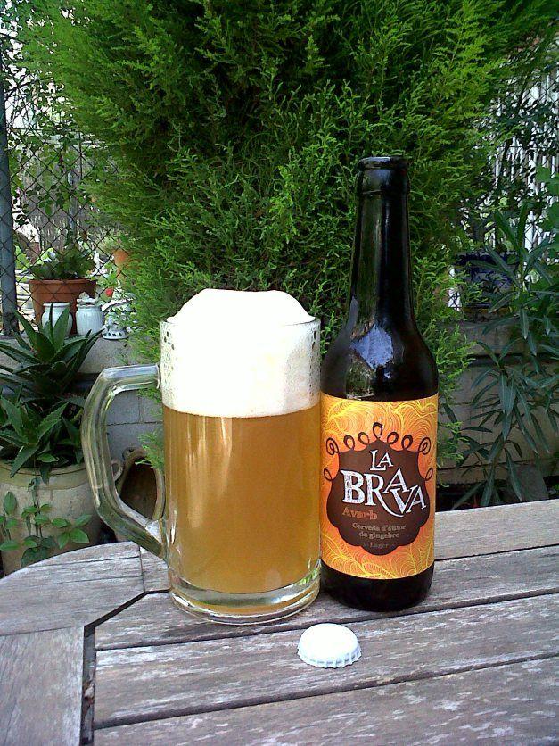 Clase: Avarb.  Fabricante: La Brava Beer.  Cerveza artesanal de cebada.  Estilo: Lager.  Procedencia: Girona (España).  Fermentación: Baja.  Grados: 5,5%.