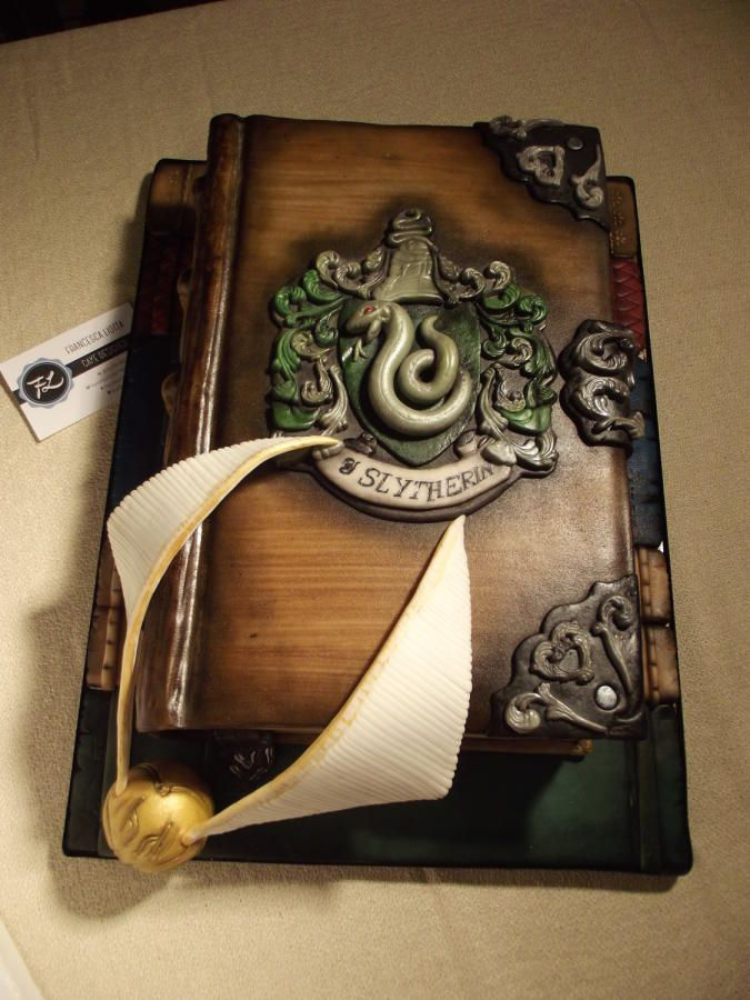 Edible Art Harry Potter S Slytherin Diary Cake By Francesca Liotta For All Your Cake Decorating Supplie Harry Potter Torte Buch Kuchen Harry Potter Kuchen
