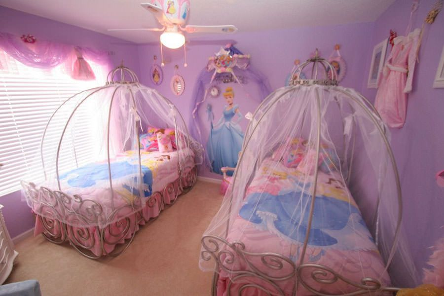 Cameretta da principessa disney per bambine idee for Princess decorations for rooms