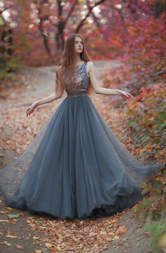 Vestido de festa azul acinzentado