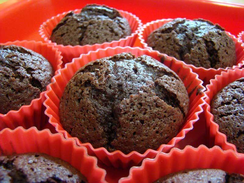 Los muffins son un tipo de magdalenas, típicas de Inglaterra que podemos elaborar de muchos sabores de chocolate negro o blanco, vainilla, plátano, frambuesa etc. fácilmente con nuestro Thermomix.