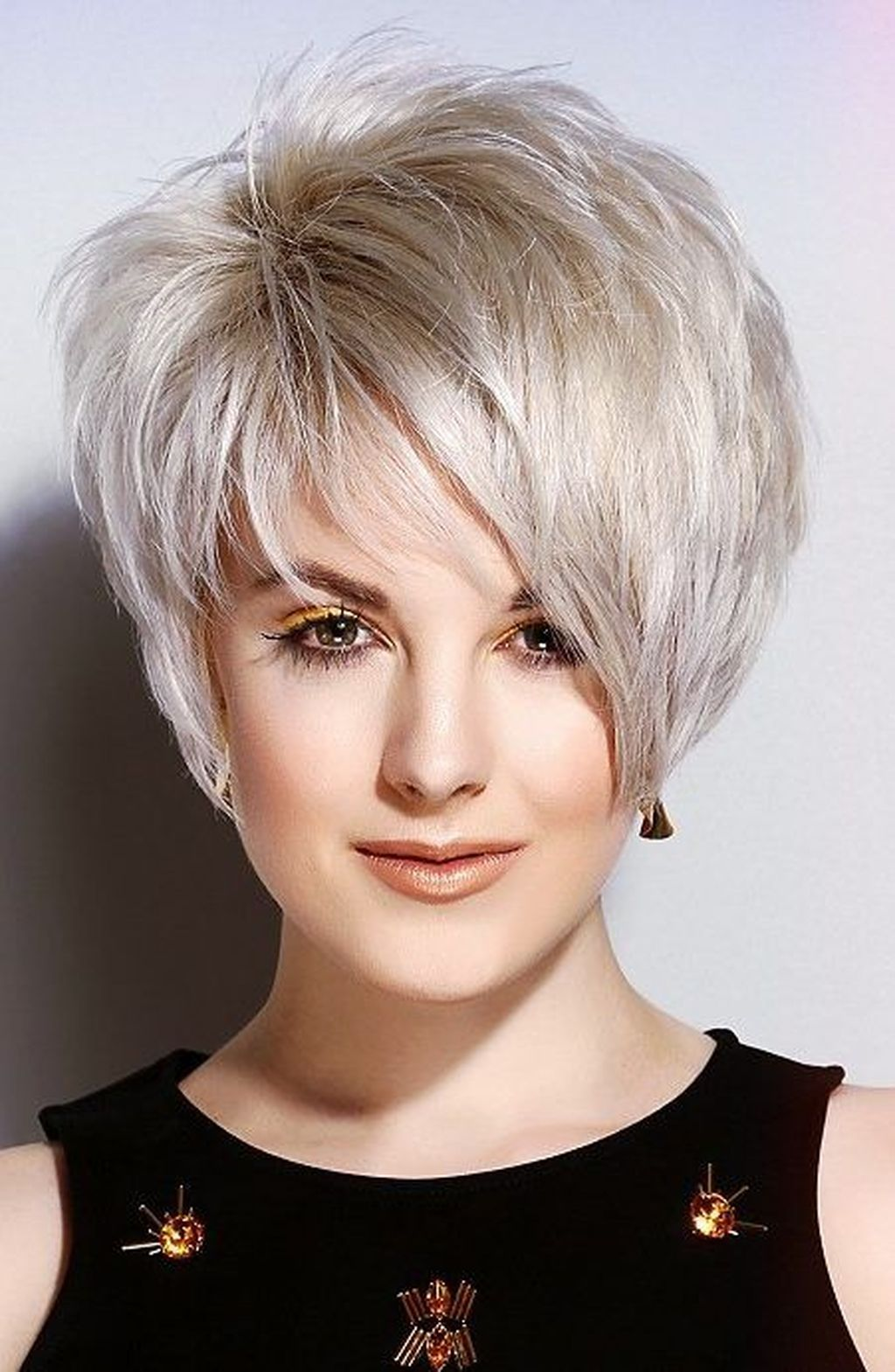 43 splendid short layered hairstyles ideas for women to