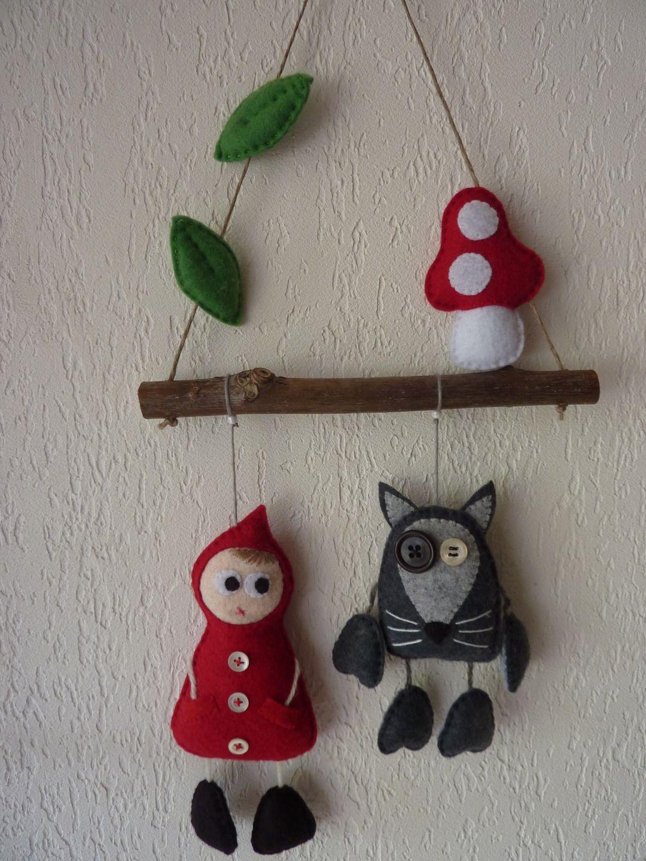 Mobile petit chaperon rouge et loup en feutrine   Décoration pour enfants  par Rosytarte c8f3e72b04f