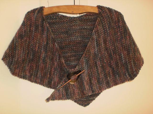 Material 02 novelos de lã Bariloche da Aslan (fio 85% lã e 15% poliamida) –  Agulhas de tricô 7mm Execução