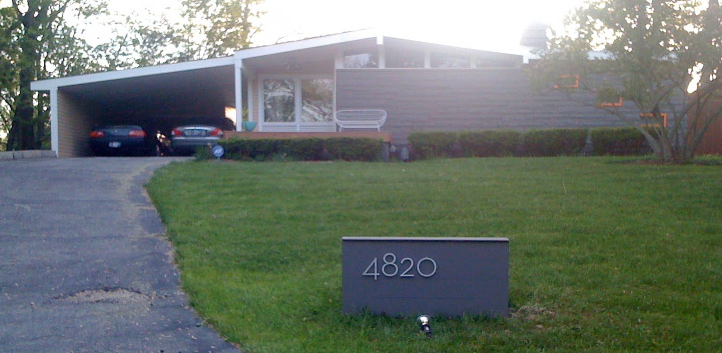 Mid century modern exterior magnificent home design for Modern house numbers canada