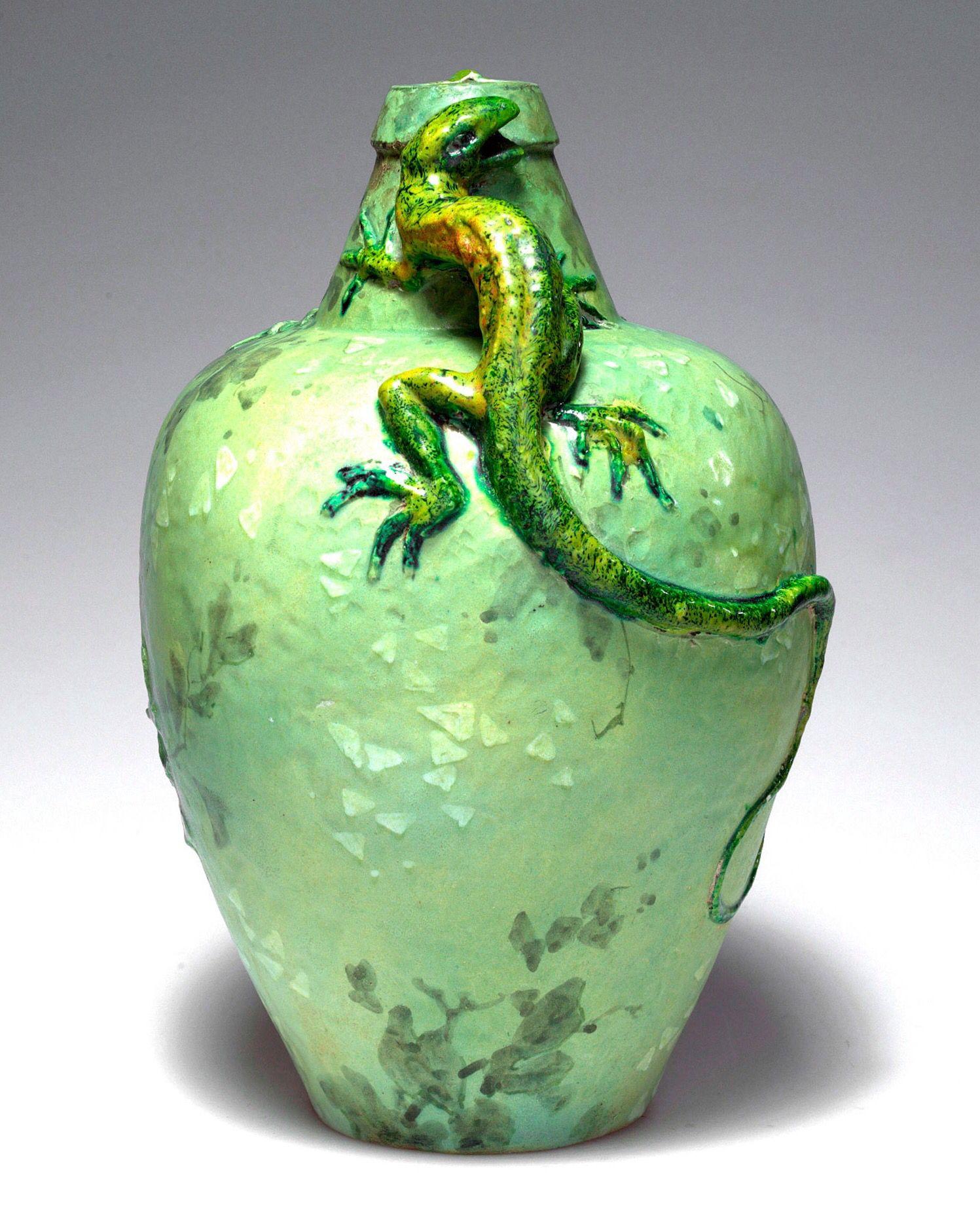 Vase with Lizard c. 1900 - Lachenal, Edmond, Châtillon-sous-Bagneux