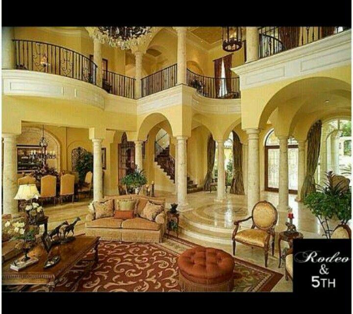 Spacious Living Room: Home Decor, Bedroom