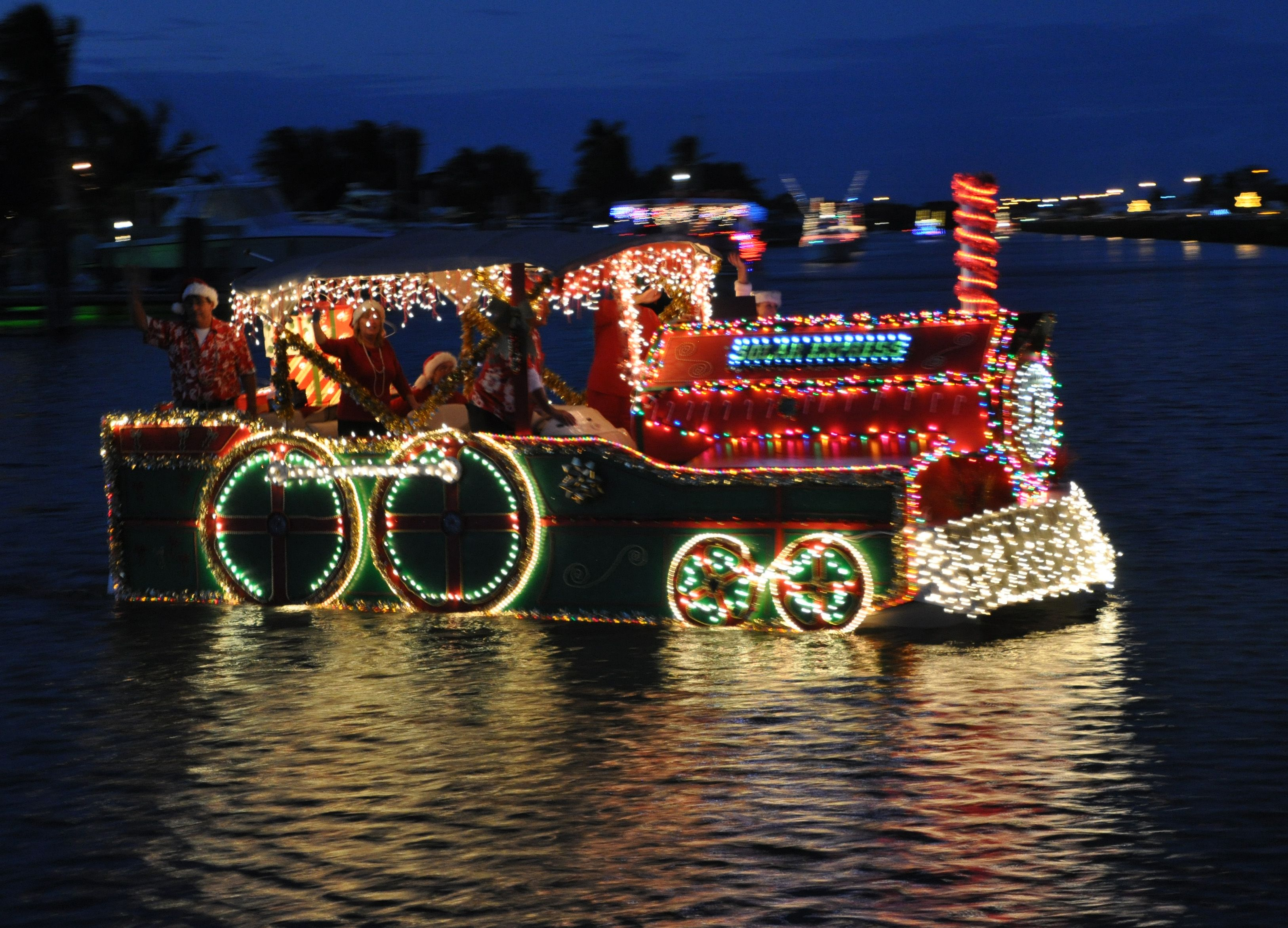 Boat parade #Christmas #boats #decorations #boat #parade | Christmas ...