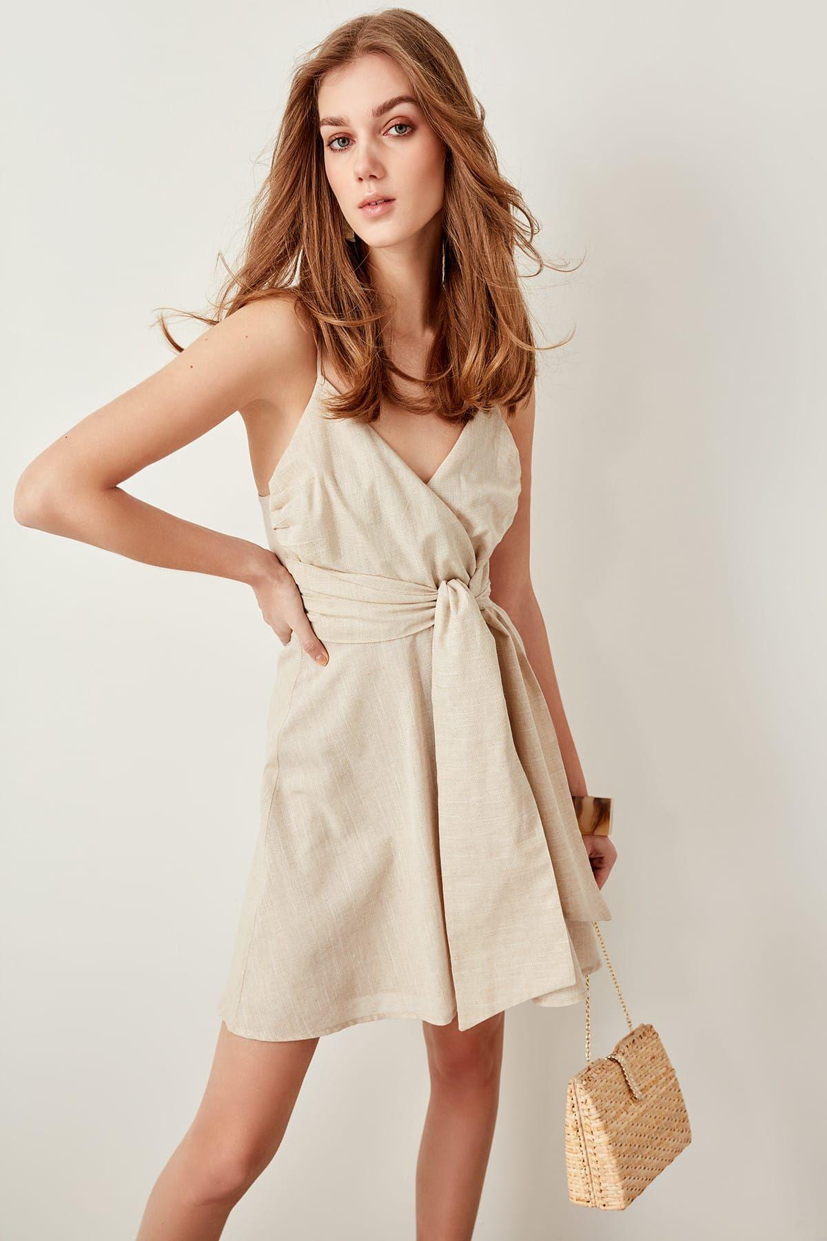 Online Alisveris Sitesi Turkiye Nin Trend Yolu Trendyol The Dress Kusakli Elbise Elbise