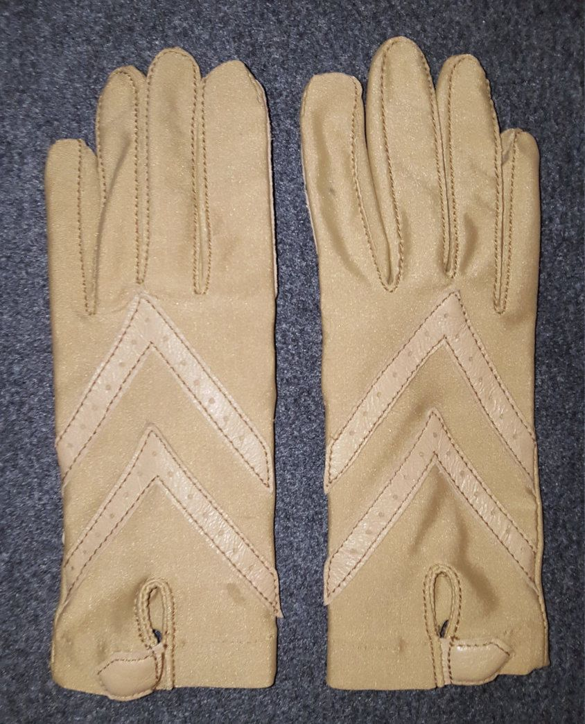 Driving gloves isotoner - 1960s Tan On Tan Aris Isotoner Driving Gloves Woolite Perfect Tan On Tan
