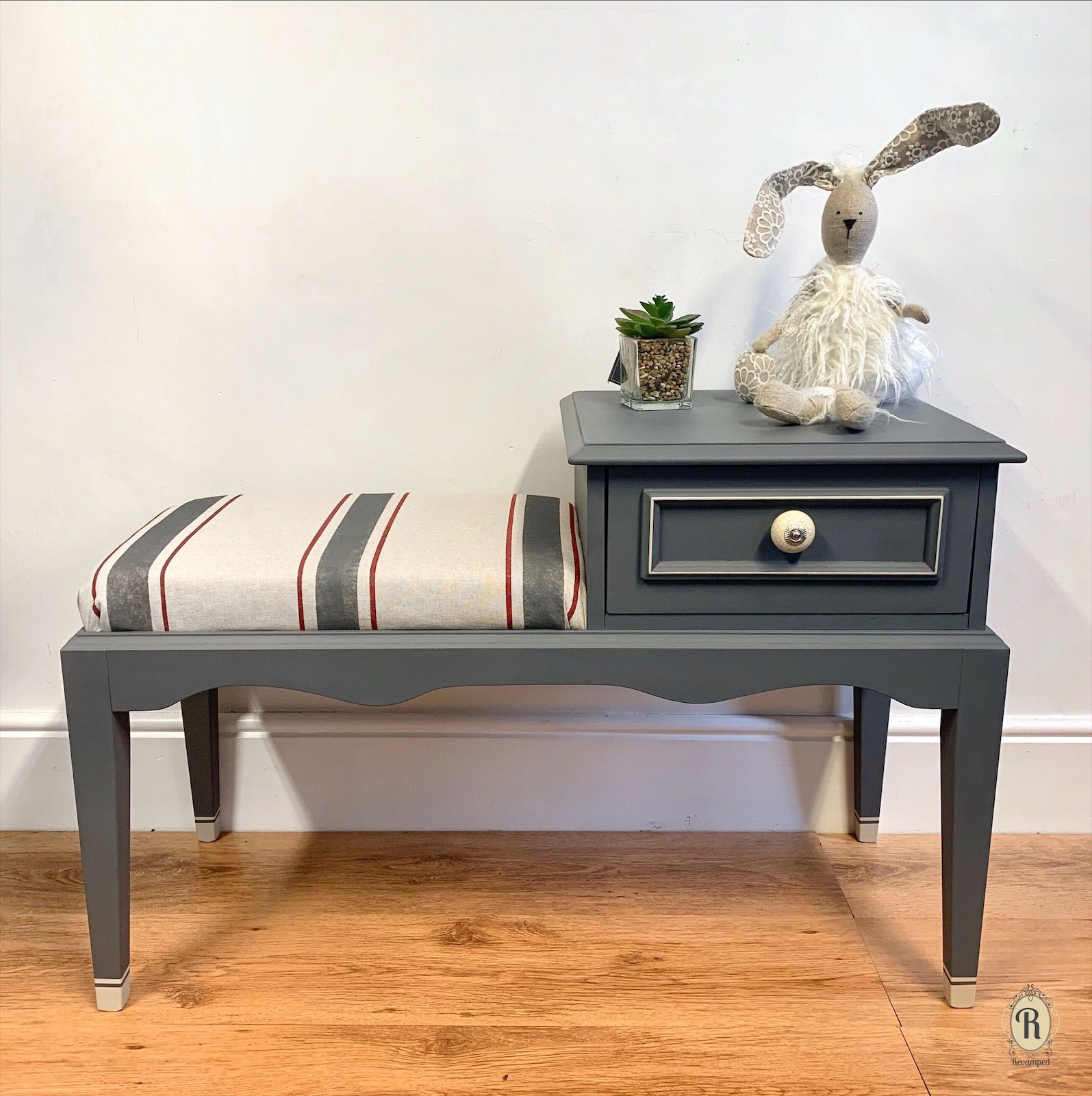 Stag Minstrel Telephone Table Flipping Furniture Painted Furniture How To Flip Furniture