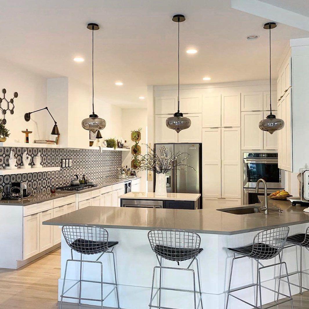 #homeinspo Current kitchen crush Photo courtesy of giacomettivittiphoto .....#cozyhome #homedesign #modern #homegoals #decorcrushing #cozy #homeinspo #modern #cozylife#cornerofmyhome #decoreideas #home #interiors #modernboho #midcenturymodern #homelife #igdaily #furniture #furnishings #homefurnishings #kitchen #kitchendesign #kitchens #kitchendecor #chairs #barstools #counterstools #modernkitchen #kitchencrushes #homeinspo Current kitchen crush Photo courtesy of giacomettivittiphoto .....#cozyho #kitchencrushes