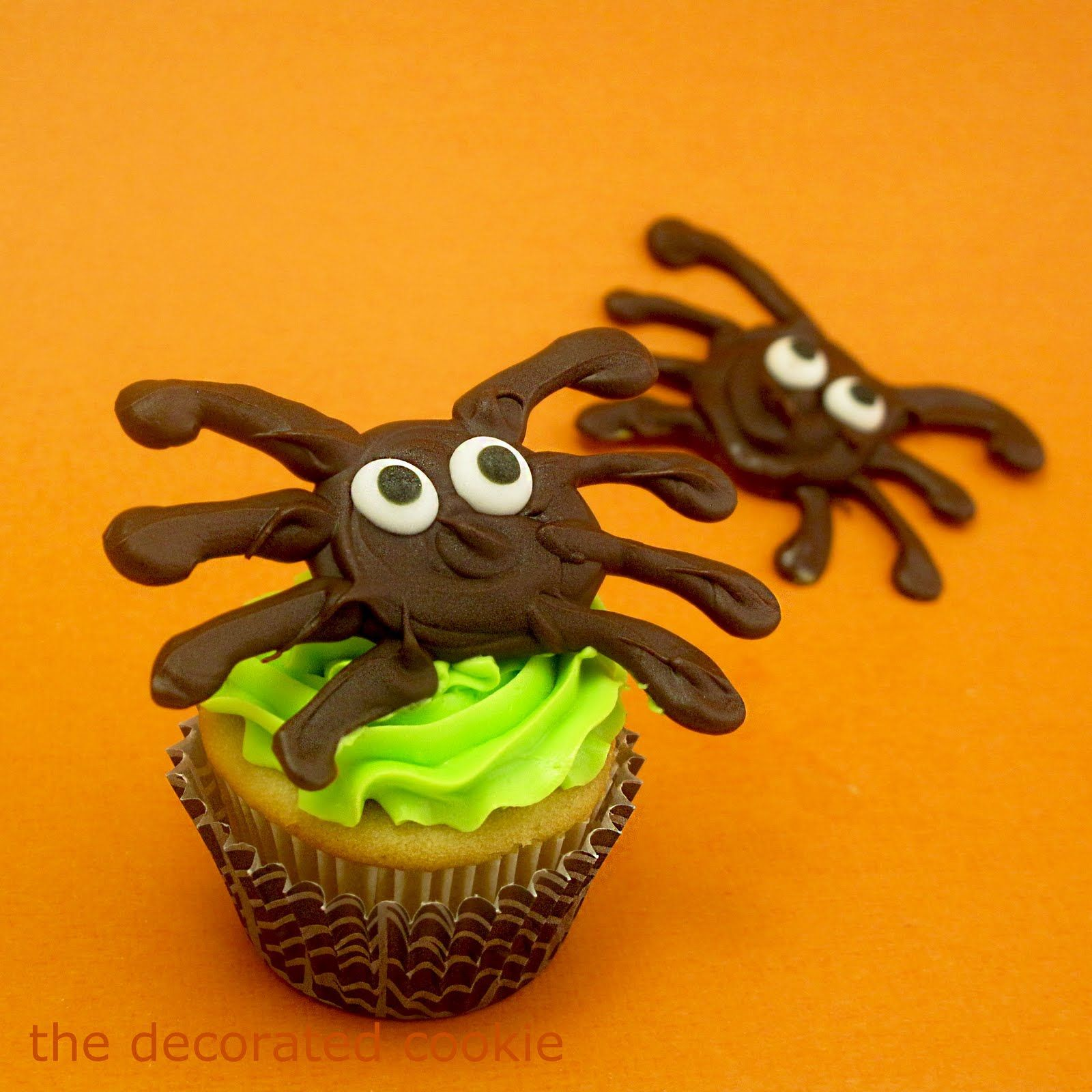 chocolate spider pops for halloween - Halloween Chocolate Spiders