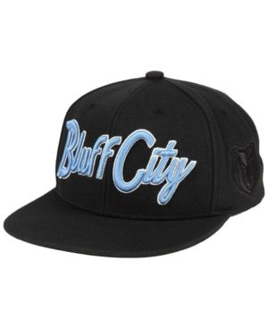 timeless design 3b422 21fa1 Mitchell   Ness Memphis Grizzlies Town Snapback Cap - Black Adjustable