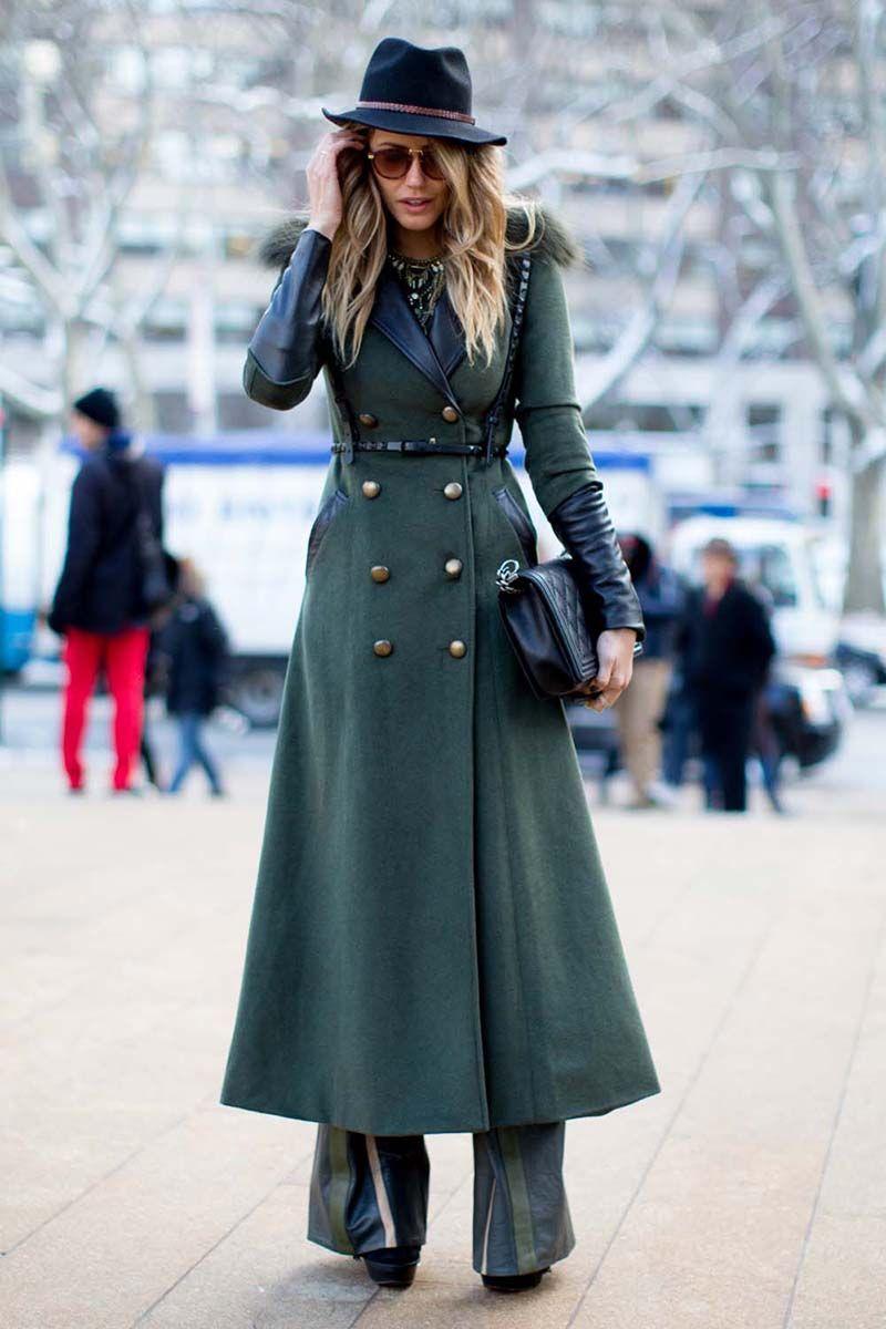 Приталенное длинное женское пальто – фото новинка сезона ...