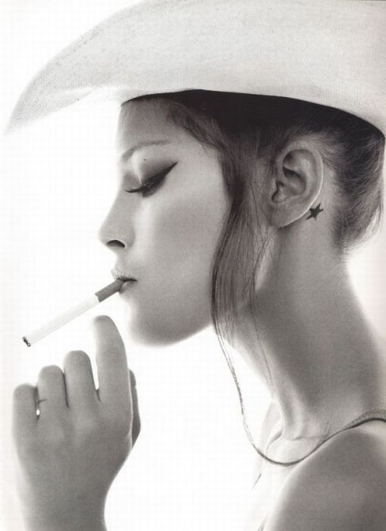 Картинки где девушки с сигаретами