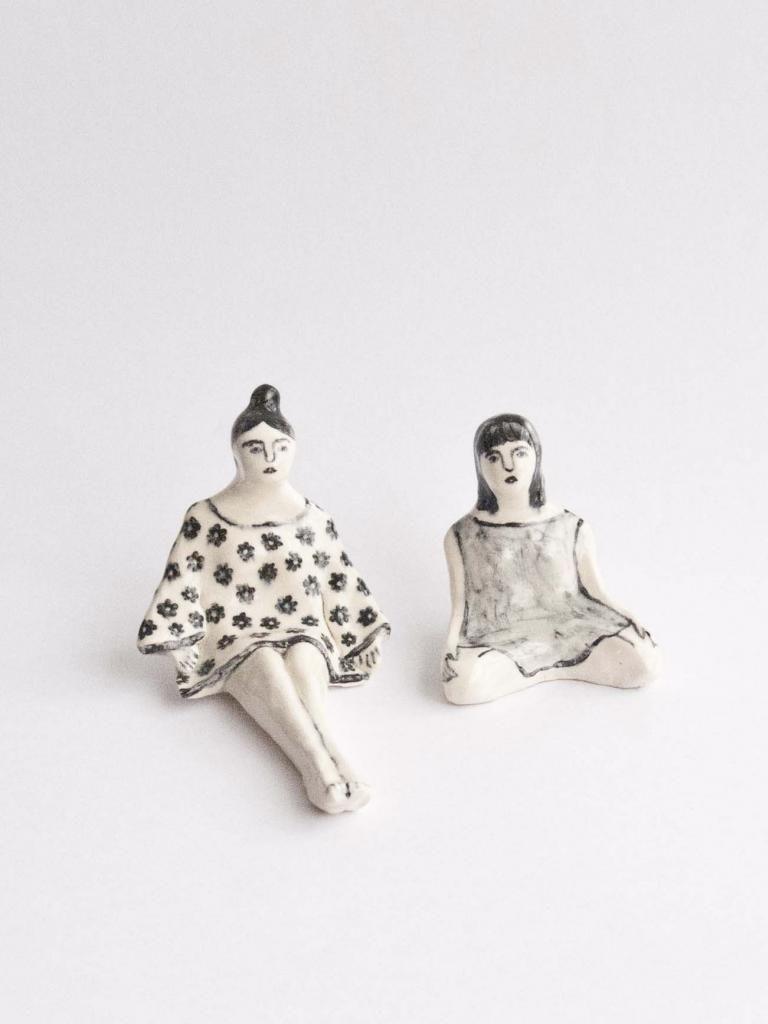 Escultura de cerâmicas duas irmãs