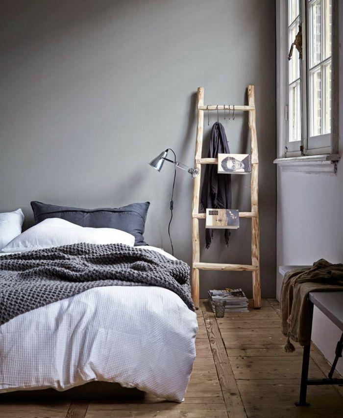 wohnideen schlafzimmer wände grau holzboden treppe rustikal - schlafzimmer weiß grau
