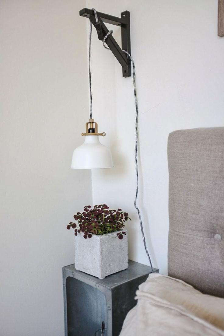 diy lampa, svart och vitt, lampa på konsol, ytygsladd, svart