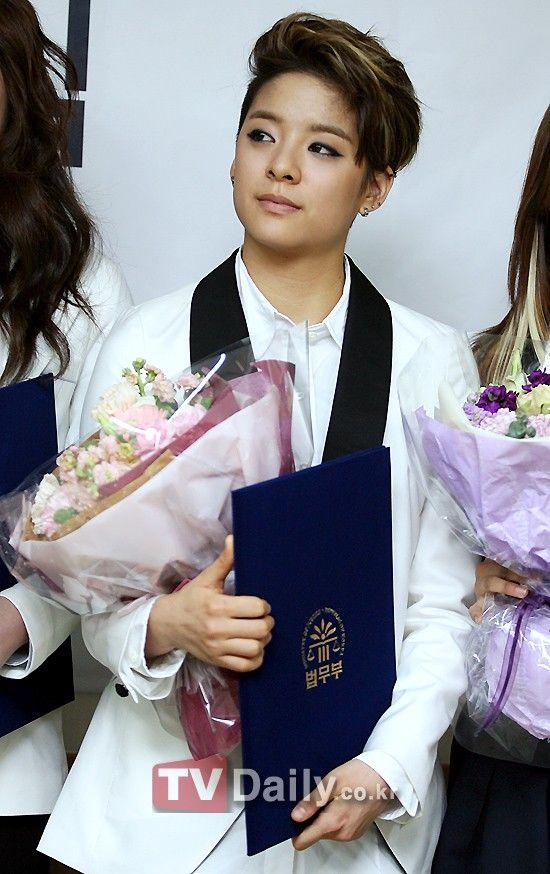 K Pop Idols In Suits Inactive Photo Amber Liu Amber J Liu Amber