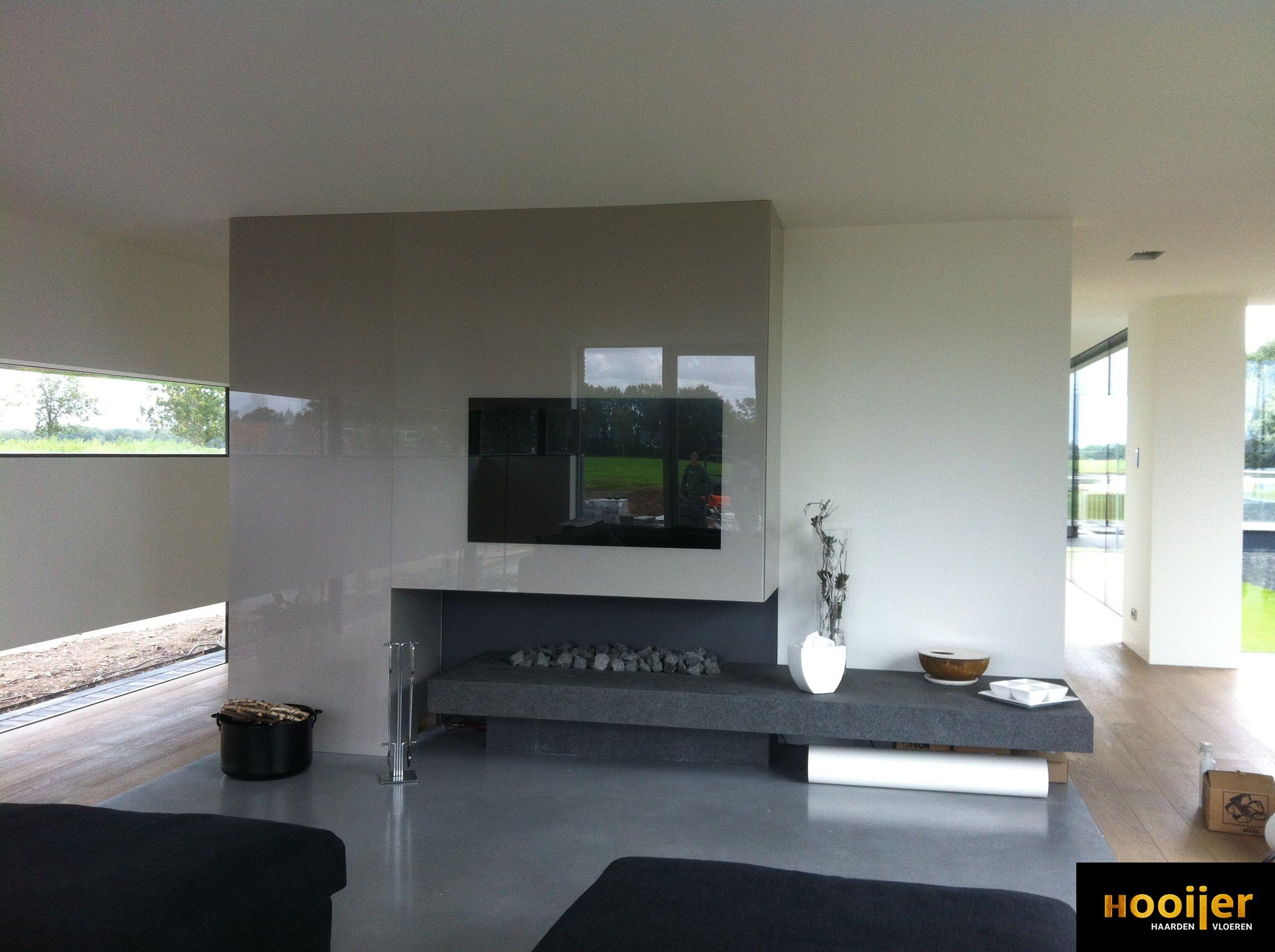 Moderne Glazen Tv Meubel.Moderne Open Gashaard Met Maatwerk Tv Meubel En Plateau Van