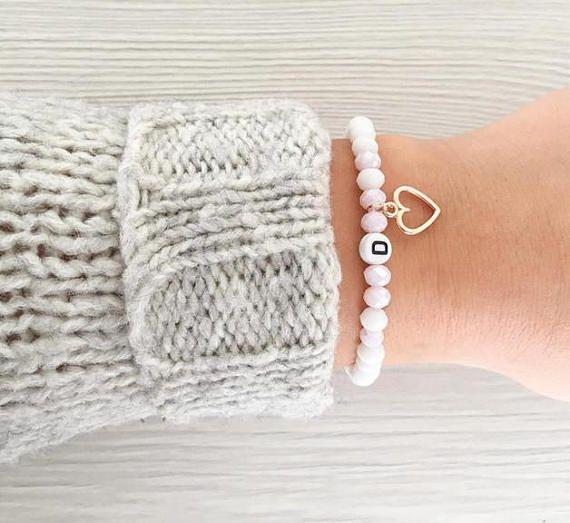 Photo of Personalisierbares Namensarmband / Named Bracelet Individual Initialen Buchstabe Perlenarmband Damen Rosa Roségold Weiß Wunschname