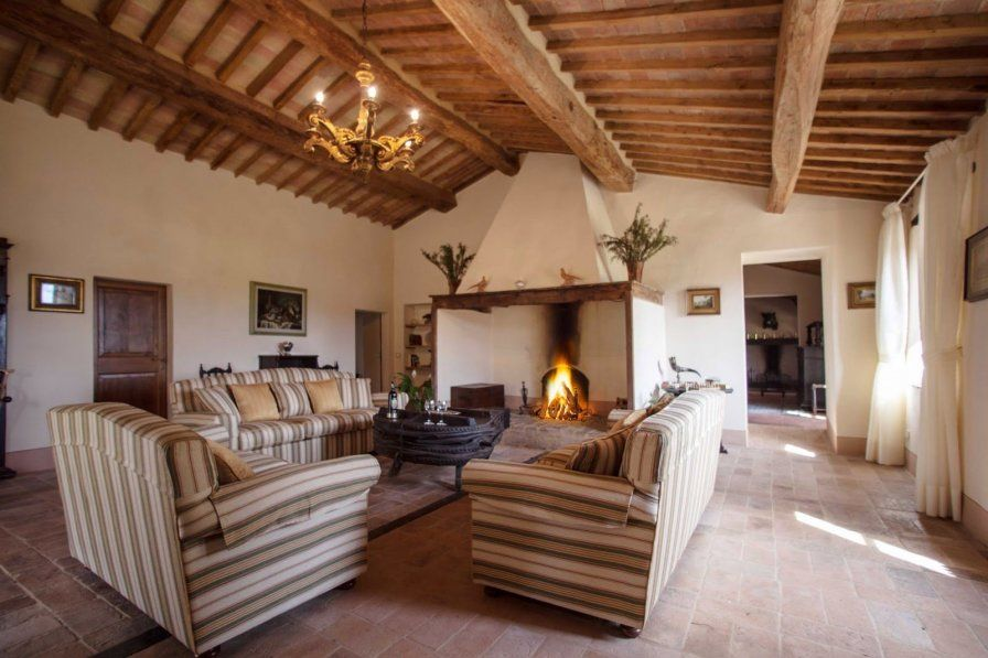 This large villa in Siena, Turscany has a cosy lounge with