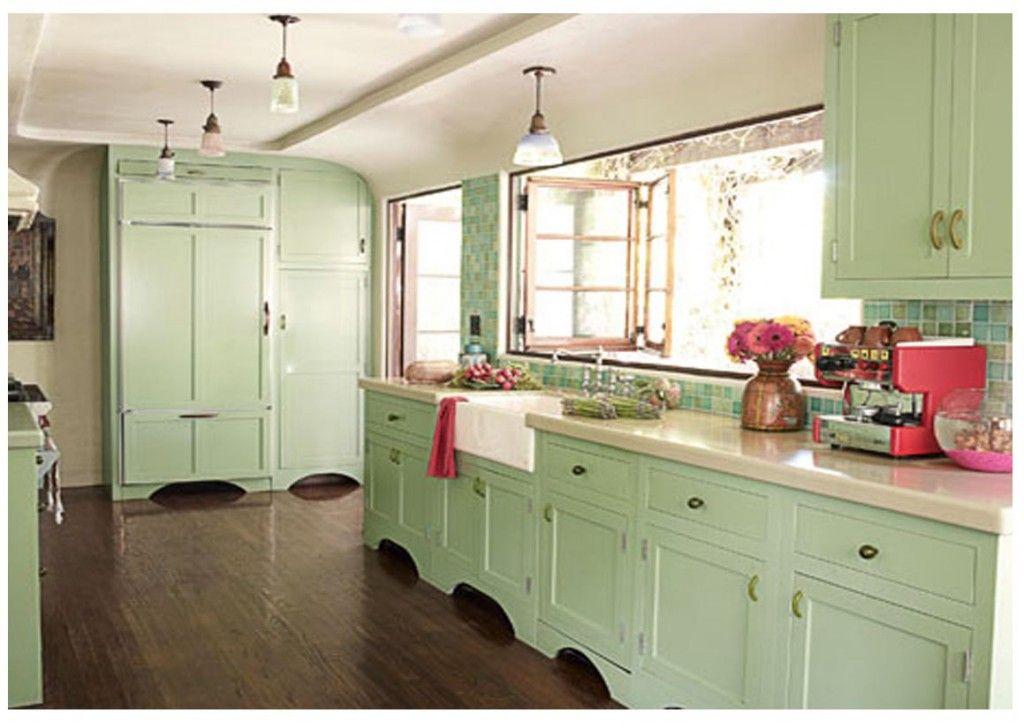 cocinas muebles blancos combinados con verde  Buscar con Google
