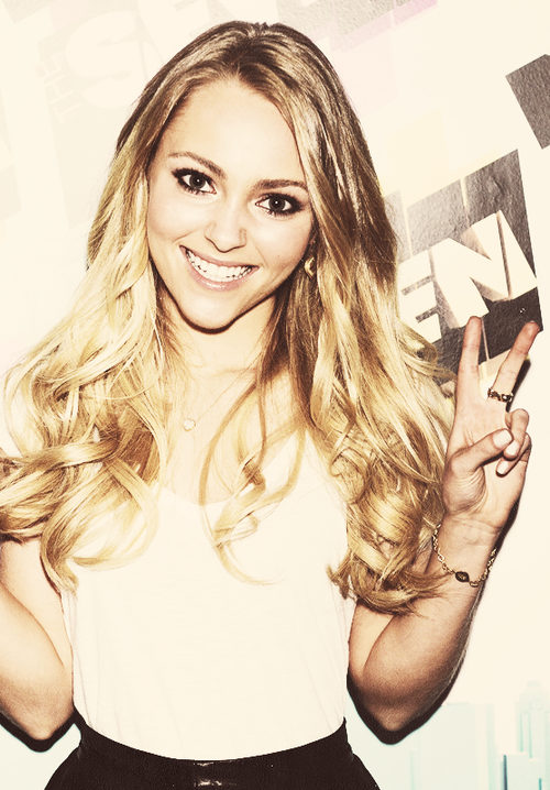 Can I just be Anna Sophia Robb? She is perfect!