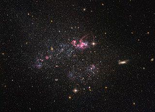 A distinctly disorganised dwarf    ESA/Hubble