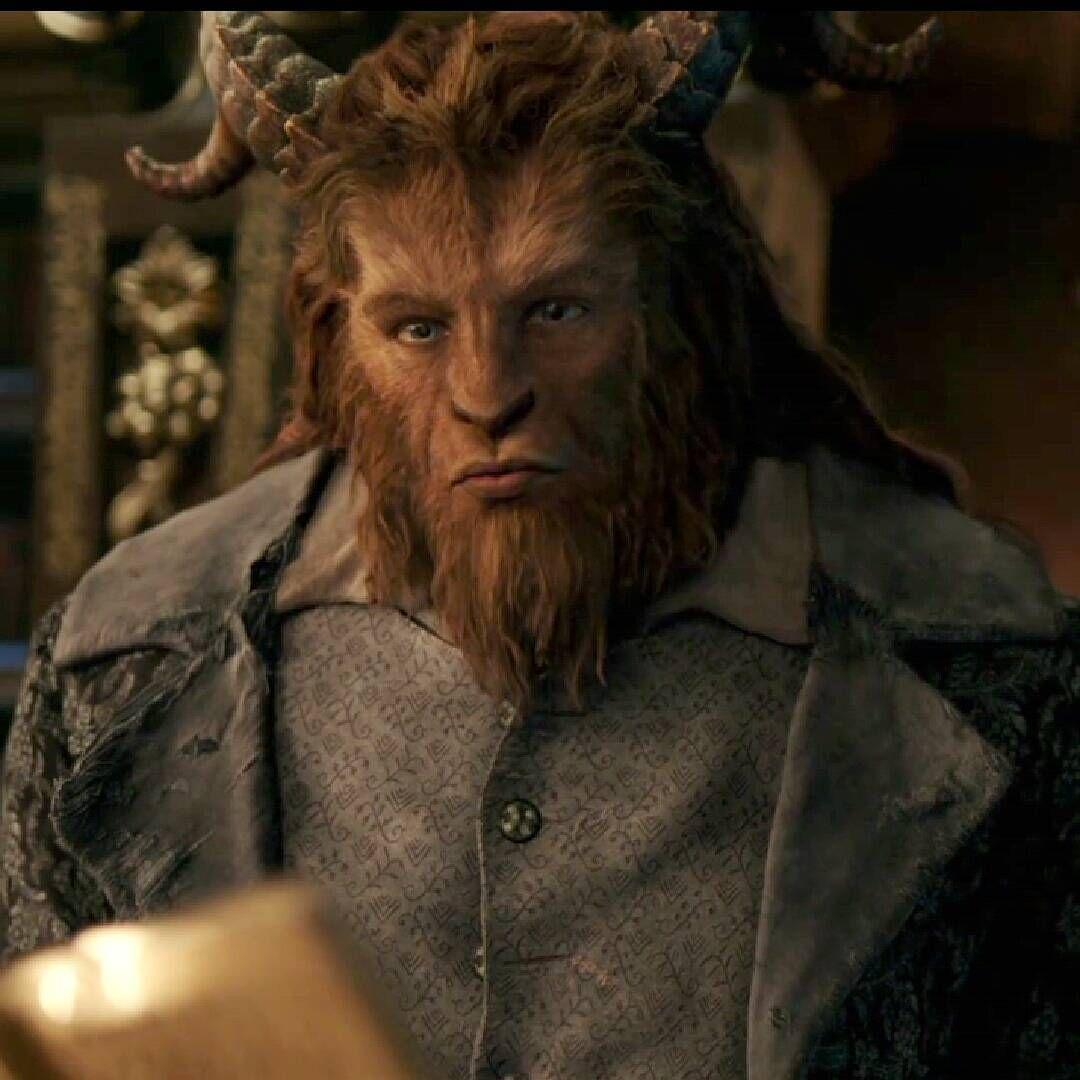 Dan Stevens As Beast Prince Adam Beauty And The Beast 2017 Beauty And The Beast Movie Beauty And The Beast Costume Disney Beauty And The Beast