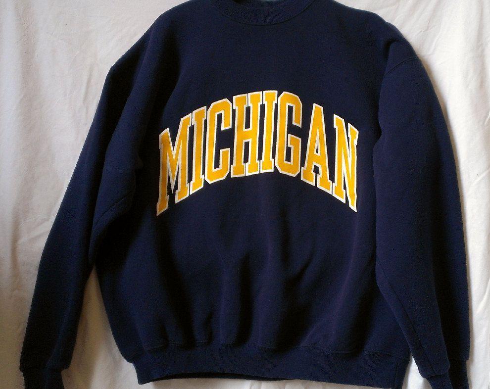 yellow built-in collar  men/'s medium University of Michigan Collared Sweatshirt  vintage UM navy blue/&gold block M logo embroidered patch