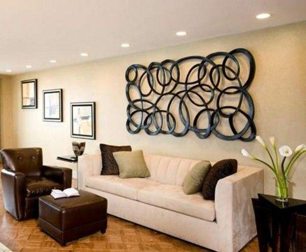 décoration murale en métal pour un salon moderne