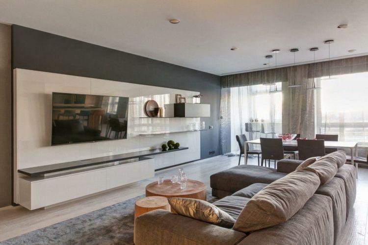 wohnung einrichten grau sofakissen-wohnzimmertisch-holz - wohnzimmer einrichten grau