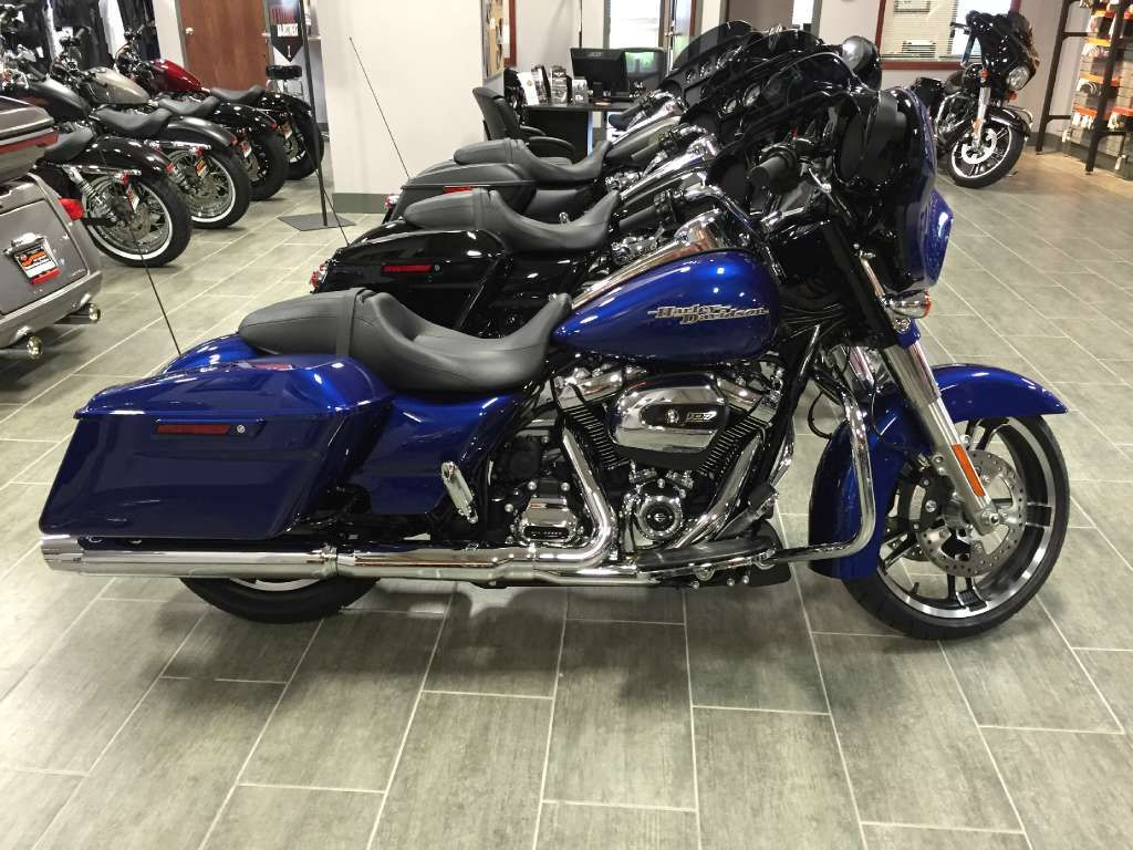 Specifications for the 2017 HarleyDavidson Street Glide