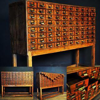 #exceptional #chestofdrawers #interior #decoration #vintage #apothecary #furniture #furnituredesign #shop #paris #antique #antiqueshop #antiquedealer #mesdecouvertes #marchedauphine