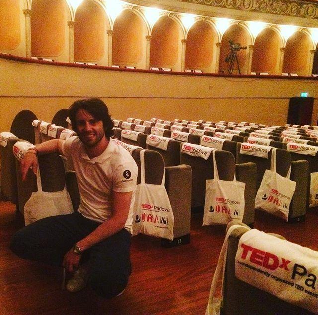 Alessandro Bonavetti parla di #TEDxPadova su Instagram We are ready!😎 #chefyouwant #tedxpadova #domaniora #innovationhall