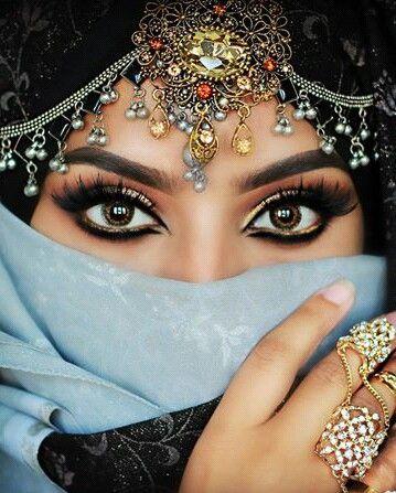 arabian dresses dress clothe women 39 s fashion outfit inspiration pretty clothes shoes. Black Bedroom Furniture Sets. Home Design Ideas