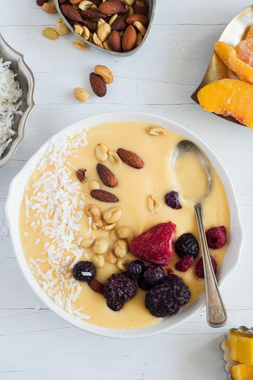 Dairy Free Peach and Mango Smoothie Bowl #dairyfreesmoothie