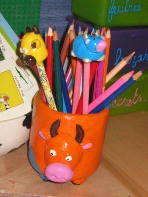 pot crayons en p te sel activit s pour enfants pinterest p t s sels et crayon. Black Bedroom Furniture Sets. Home Design Ideas