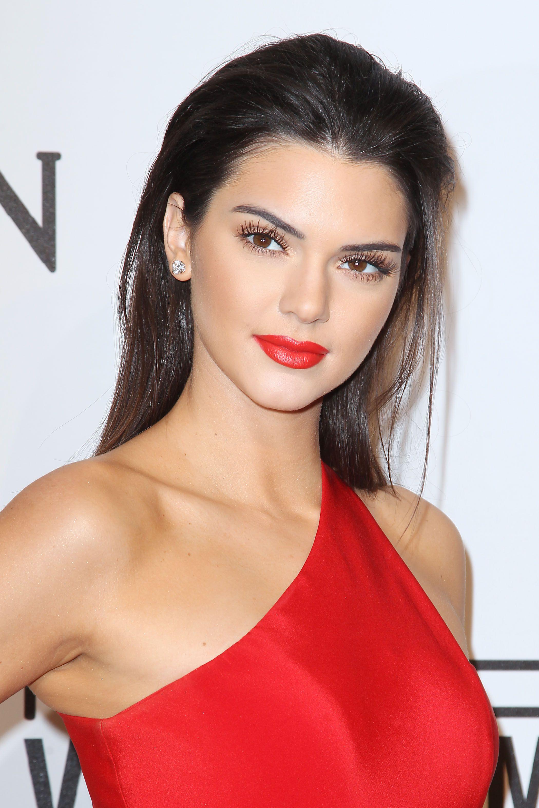 Kendall Jenner in Romona Keveza Fall 2014 gown, Harry Winston jewelry and Christian Louboutin 'Iriza' pumps – 2015 #amfAR New York Gala @romonakeveza